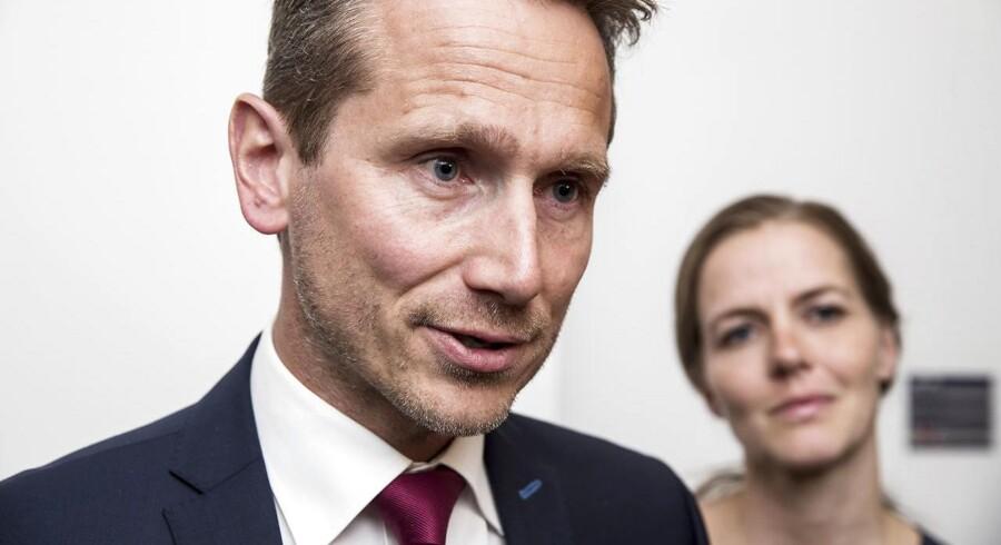 Efter et folkemøde med fokus på politikerlede advarer Kristian Jensen (V) mod at tage demokratiet for givet.