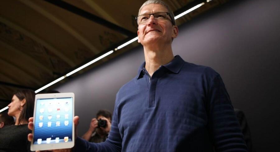 Apple og topchef Tim Cooks mindre udgave af iPad'en kommer på gaden i januar, men selskabet ønsker ikke at lave en billigere udgave af iPhone for at tækkes de kinesiske forbrugere.