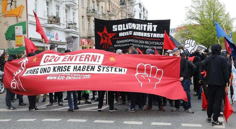 Allerede 1. maj i år blev der demonsteret mod G20-topmødet i Tyskland. Op mod 100.000 ventes at tage del i demonstrationerne ifm. selve topmødet - deriblandt flere danske venstreaktivister.