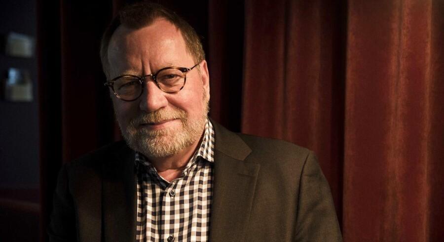 """Portræt af Knud Aarup, som er aktuel med sin nye bog """"Fra Udenforskab Til Fællesskab""""."""