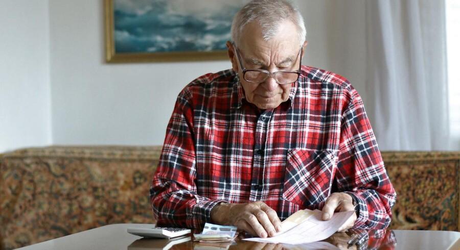 »Ifølge en omfattende undersøgelse, som Ugebrevet A4 har foretaget, lever 14 procent af danske pensionister i fattigdom.« Modelfoto
