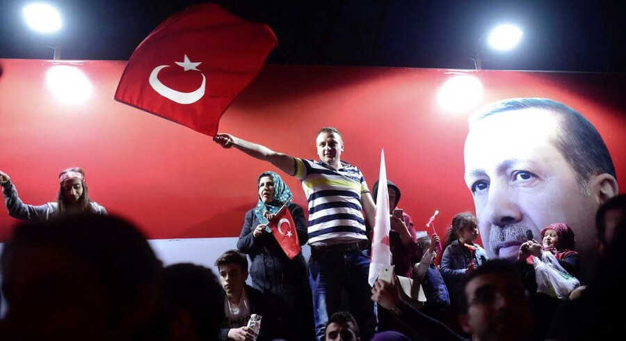Den tyrkiske folkeafstemning har ikke levet op til demokratiske standarder, siger observatører fra OSCE og Europarådet.. REUTERS/Yagiz Karahan