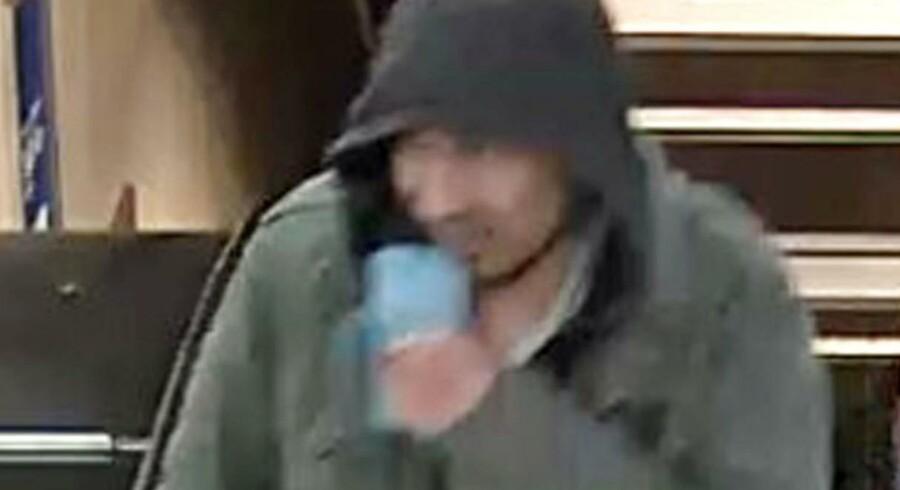 Svenske myndigheder udsendte i weekenden dette efterlysningsbillede af den 39-årige usbeker Rakhmat Akilov.