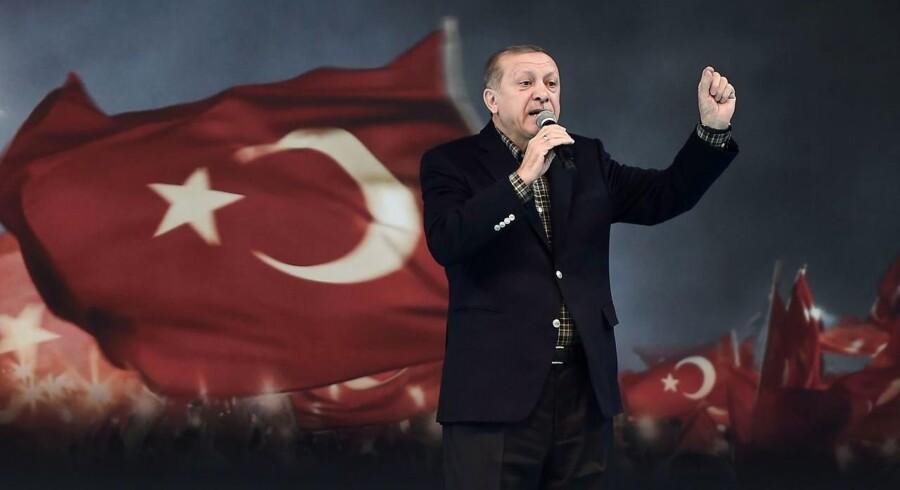Tyrkiets præsident, Recep Tayyip Erdogan, har beskyldt sin tidligere allierede, Fethullah Gülen, for at stå bag kuppet.