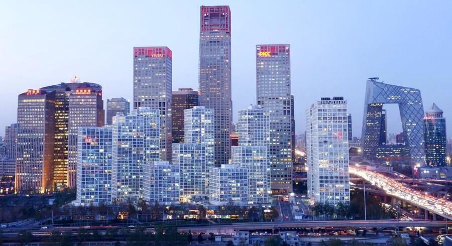 Den kinesiske økonomi er på sporet, når der ses på udviklingen i industriproduktion, detailsalg og anlægsinvesteringer i forhold til økonomernes estimater.