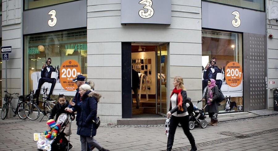 »3« fortsætter med at få flere kunder men må tage en kæmpe momslussing, der giver dundrende underskud. Arkivfoto: Nils Meilvang, Scanpix