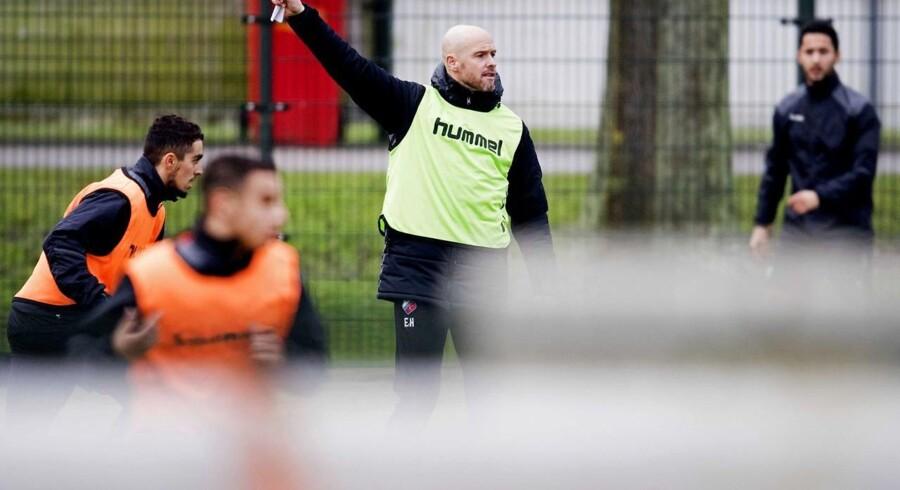 Erik ten Hag tiltræder i Ajax ved årsskiftet på en kontrakt gældende frem til sommeren 2020.