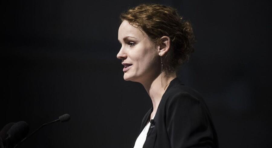 Pernille Skipper, politisk ordfører for Enhedslisten, holder tale under Enhedslistens årsmøde.