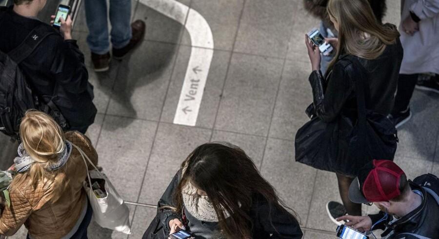 Danskerne skifter ofte mobilselskab - og får noget ud af det. Arkivfoto: Søren Bidstrup, Scanpix