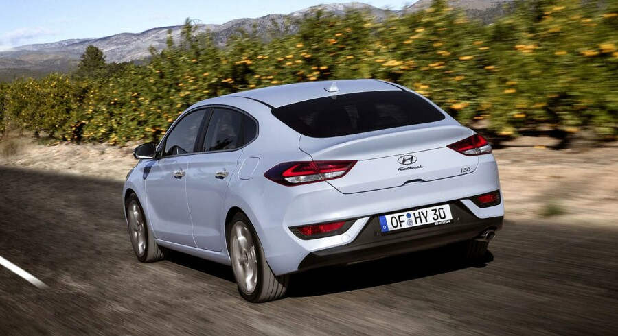 Det koster at være med på moden. I tilfældet Hyundai i30 Fastback, koreanernes nye kombination af hatchback og coupé, starter ved priserne ved 249.995 kr., 20.000 kr. mere end for den regulære hatchback