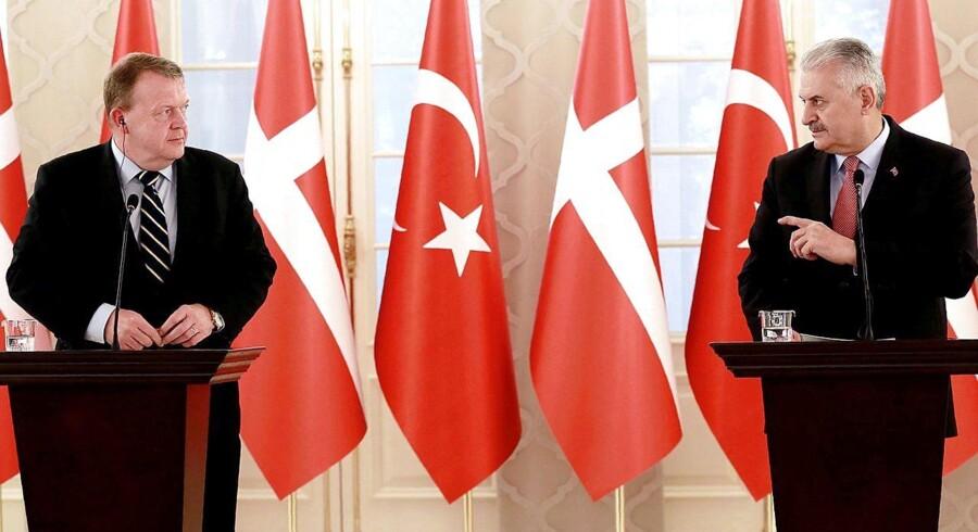 Da statsminister Lars Løkke Rasmussen (V) søndag udskød sit møde med Tyrkiets premierminister, Binali Yildirim, sendte han samtidig et signal, der bliver tolket positivt af den tyrkiske forening UETD Danmark.