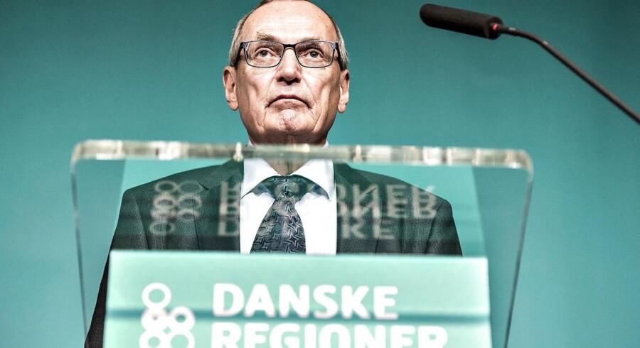 ARKIVFOTO: Danske Regioner holdt torsdag d. 6. april generalforsamling på Centralværkstedet i Aarhus. Her ses formanden Bent Hansen på talerstolen (foto: Henning Bagger / Scanpix 2017)