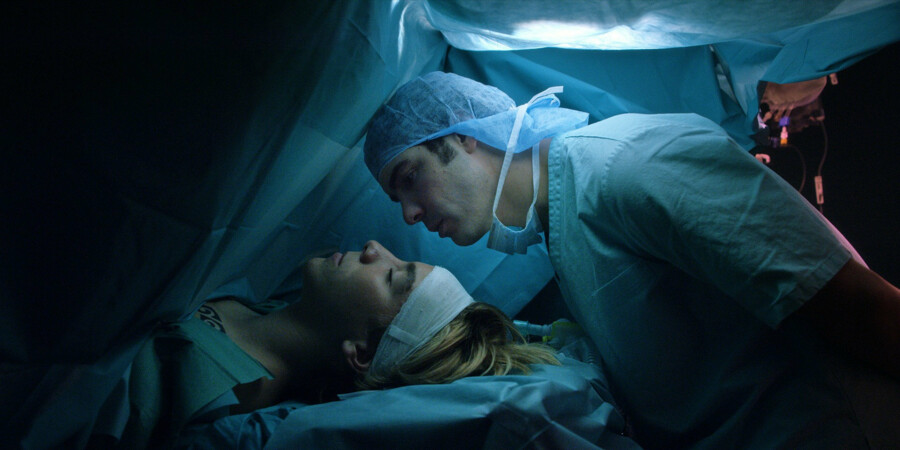 Selv en operationsscene bliver gjort poetisk og rørende i »Hjertets vej«. PR Foto Scanbox