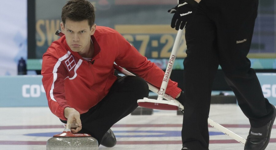 Rasmus Stjerne og resten af det danske herrelandshold i curling er blandt de deltagere ved vinter-OL, som DIF forventer sig mest af. Reuters/Ints Kalnins