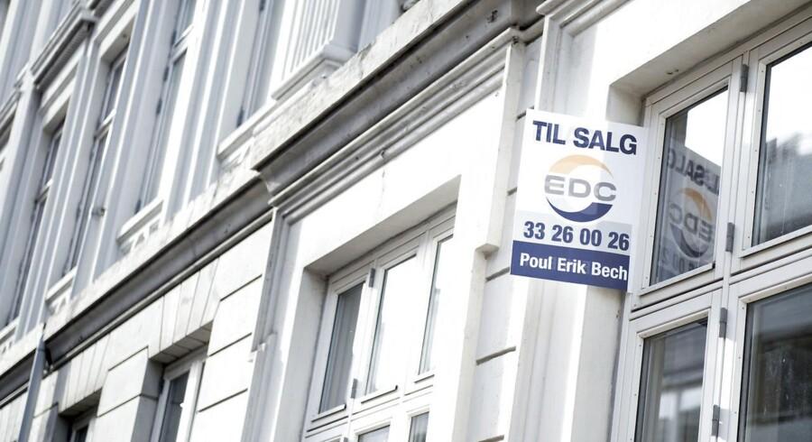 Arkivfoto. Ifølge ny aftale skal realkreditinstitutter fortsat varetage udlån til almene boliger, men skal betale provision til staten af lånene til gengæld for garanti.