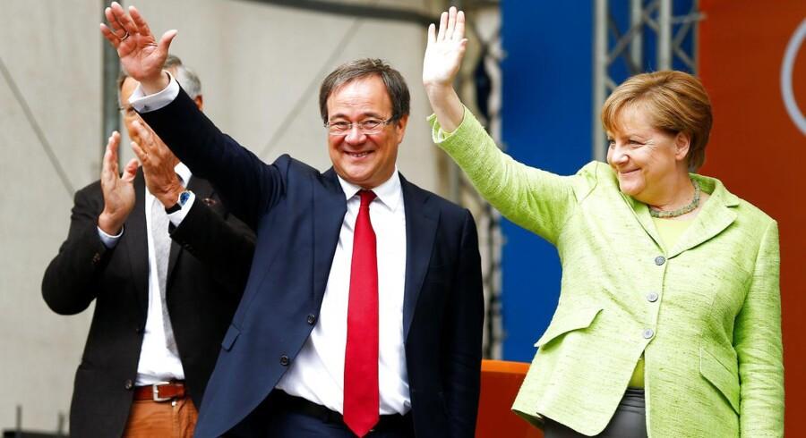 Forbundskansler Angela Merkel ser bedst ud efter delstatsvalg i Nordrhein-Westfalen, mens SPD's Schulz dumper.. REUTERS/Thilo Schmuelgen