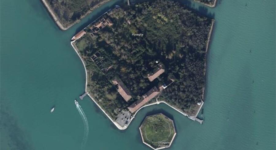 Poveglia var en af de øer, som var sat til salg af den italienske stat.