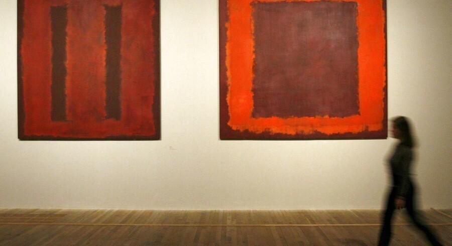 Et af kunstneren Mark Rothkos værker på Tate Modern i London er blevet udsat for hærværk.