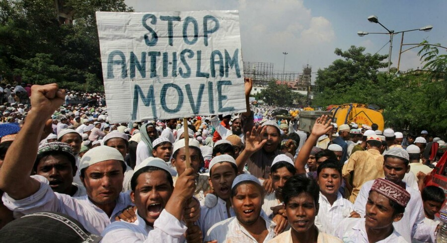 Indiske muslimer i protest mod den Muhammed-kritiske film.