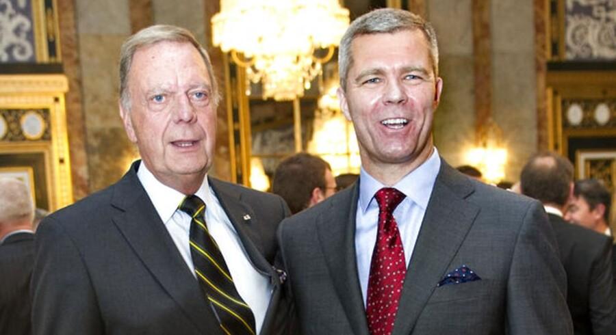 Efter 22 år som Dronningens ceremonimester siger Christian Eugen-Olsen (tv) nu farvel. Mandag tiltræder hans afløser, oberst Kim Kristensen (th).