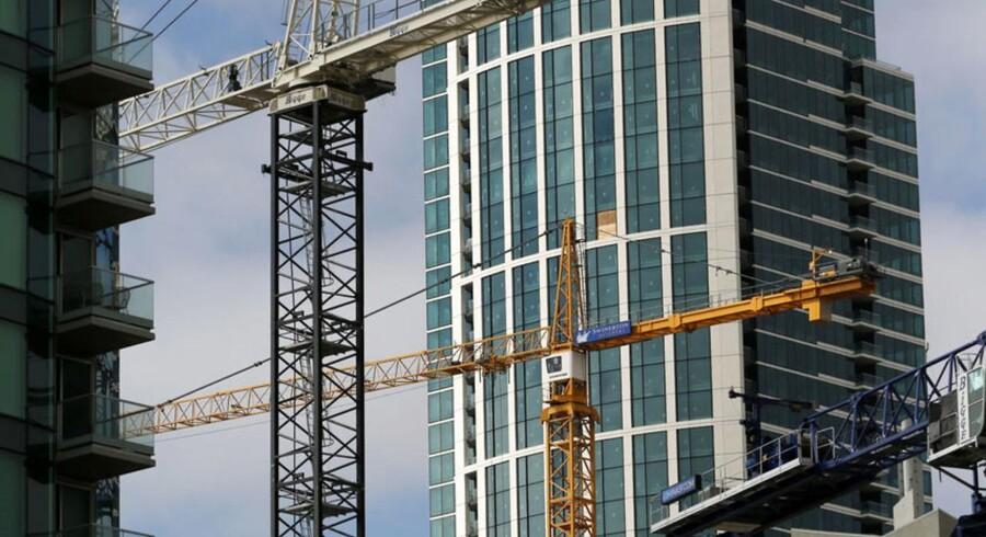 Det påbegyndte boligbyggeri i USA udviklede sig værre end ventet i maj, mens antallet af byggetilladelser faldt.