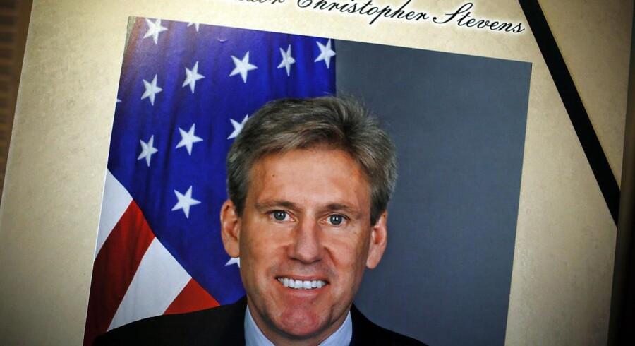 Den amerikanske ambassadør i Libyen, Christopher Stevens, blev dræbt under uroligheder over en amerikansk Muhammed-kritisk film.
