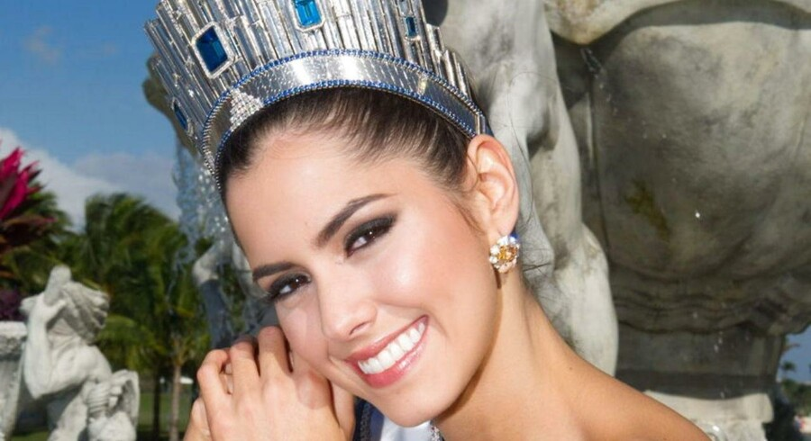 Paulina Vega, Miss Universe 2014, poserer her i Miami, Florida.