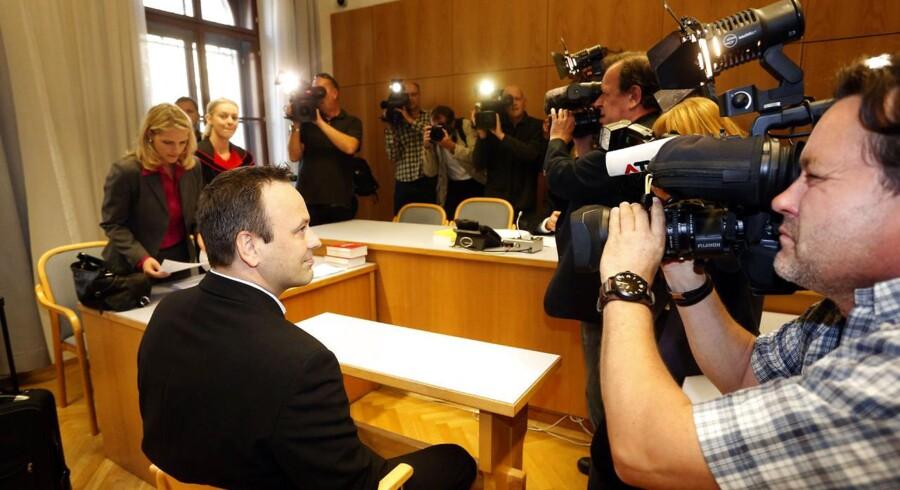 Thomas Sørensen, far til drengen Oliver, er dømt et års betinget fængsel for at have bortført sin søn fra Østrig til Danmark. Her billeder fra retten i Graz i Østrig, hvor pressen var mødt talstærkt frem.