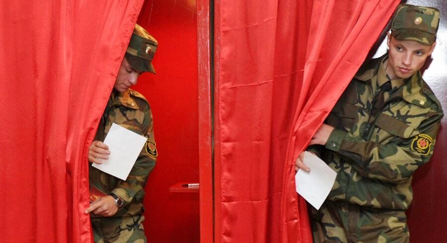 Søndagens parlamentsvalg i Hviderusland, var hverken frit eller fair, fastslår observatører.