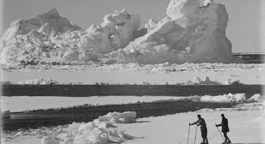 Dette billede fra 20. december 1910 viser geologerne Frank Debenham og Thomas Taylor, der var en del af den britiske Terra Nova-ekspedition.