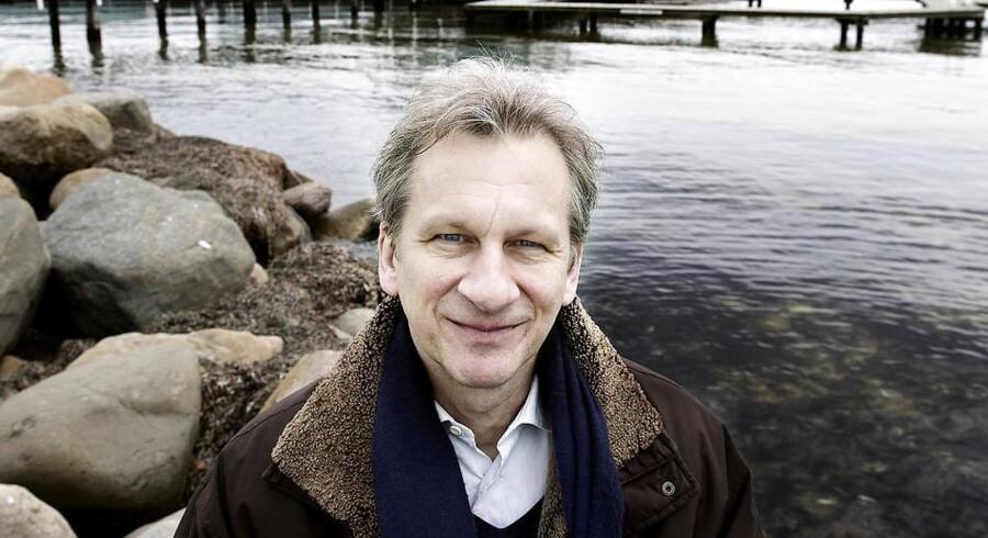 Skuespiller Henrik Koefoed erstatter Søren Sætter-Lassen, der blev kvæstet, da en scenevæg kollapsede under prøverne til forestillingen 'Lulu' på Det Kongelige Teater.