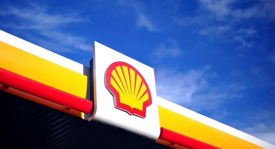 Olieselskabet Royal Dutch Shells bundlinje var ikke helt så bugnende i første kvartal, som markedet havde ventet. Store nedskrivninger, især relateret til raffinaderier i Europa og Asien, kostede dyrere end ventet.