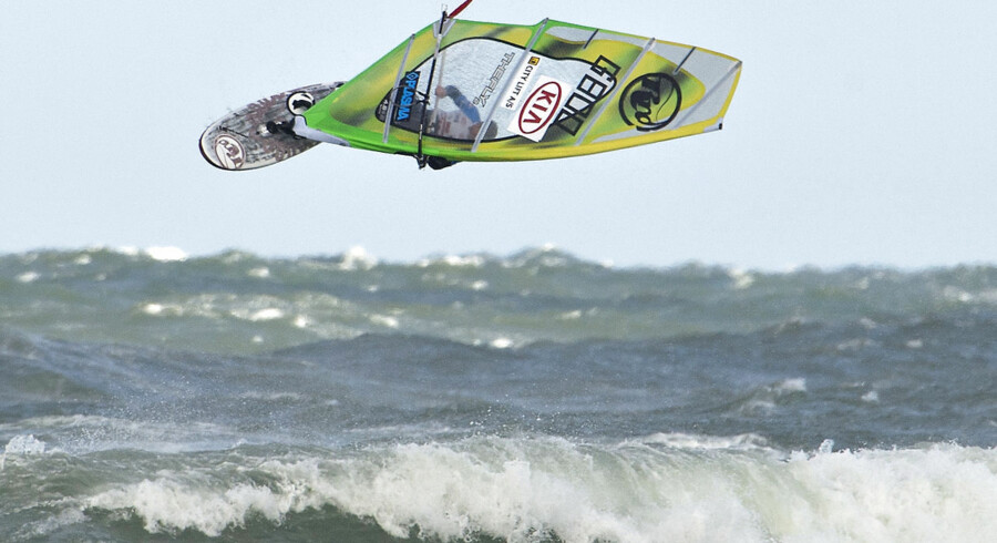 Surfere fra hele verden deltager i disse dage i The 2012 KIA Cold Hawaii PWA World Cup i bølgerne ud for Klitmøller.
