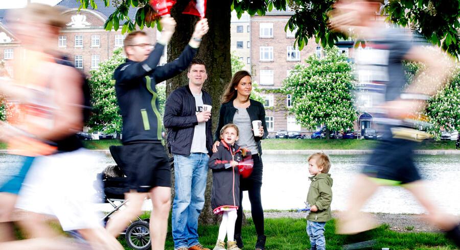 Copenhagen Marathon 2014 blev løbet søndag d. 18. maj 2014. 13-14.000 løbere spærrede store dele af København af, til gene for trafikken, men til stor glæde for alle dem der var ude og gå søndagstur. Her runder løberne 10 km på Øster Søgade.