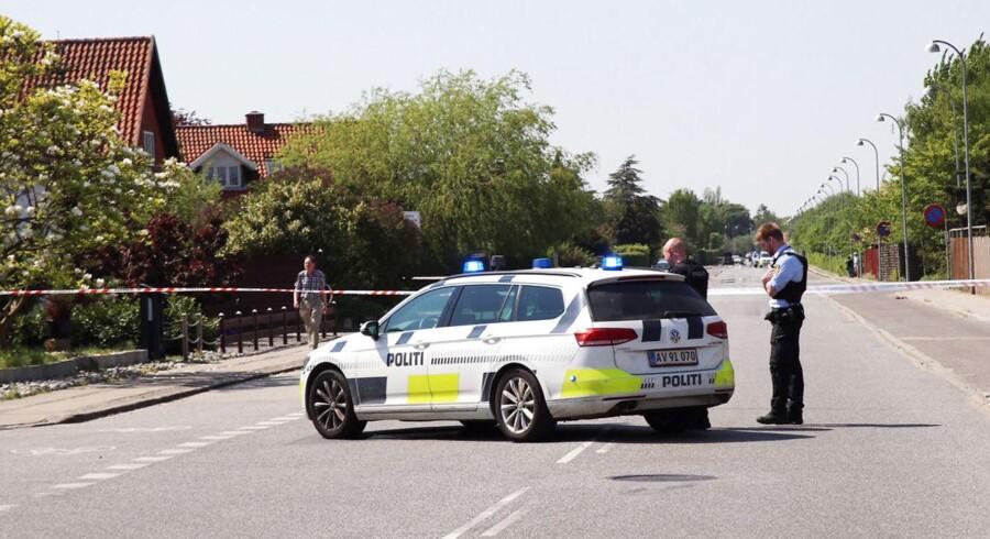 Politiet er rykket ud til Vedbyholm, hvor der har været skyderi i nærheden af en børnehave onsdag d. 11. maj 2016 (Foto: Mathias Øgendal/Scanpix 2016).