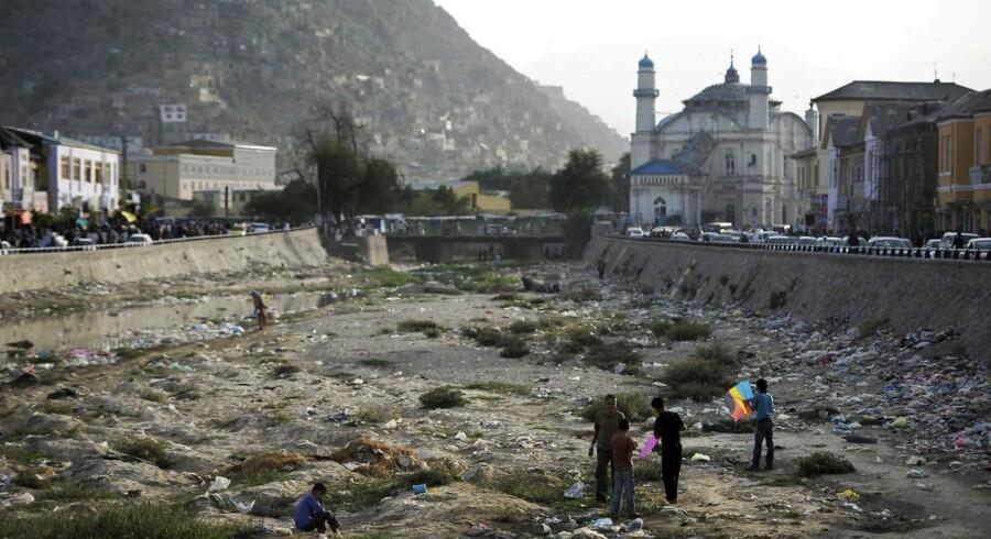 Arkivfoto af Afghanistans hovedstad, Kabul. Lige nu venter 24 uledsagede, afghanske børn og unge på at blive sendt hjem til Afghanistan.