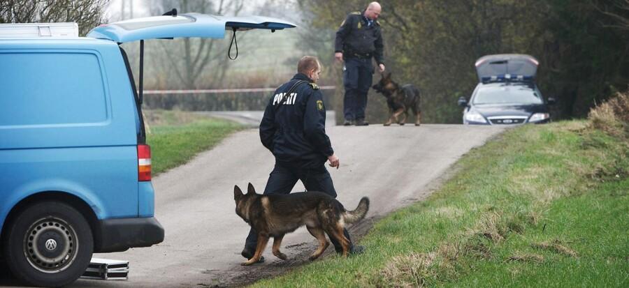 ARKIVFOTO 2012 af politiefterforskning efter sexovergrebene på to piger i Øster Skerninge og Refsvindinge på Fyn.