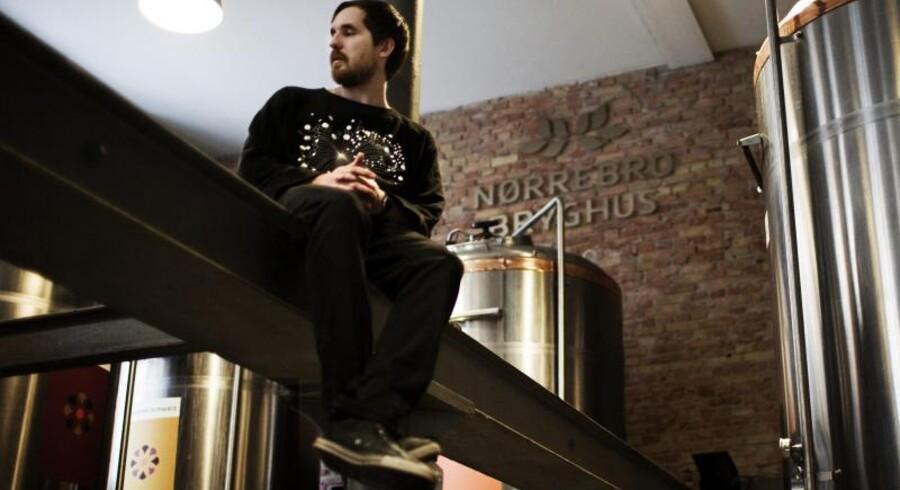 Bryggeriet Mikkellers stifter, Mikkel Bjergsø, ejer ikke sit eget bryggeri, men lejer sig ind hos andre bryggerier i Danmark såvel som i udlandet. Her er han fotograferet på Nørrebro Bryghus.