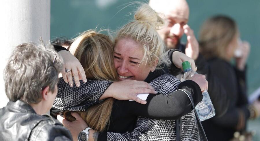 Der var glædesråb og tårer fra de pårørende, da afgørelsen blev læst op.