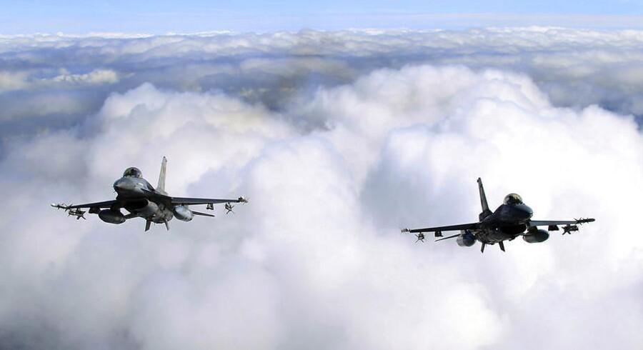 To hollandske F15-fly måtte på vingerne, da en kommunikationsfejl udløste gidselalarm.