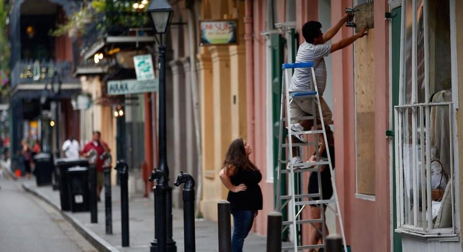 New Orleans forbereder sig på orkan.