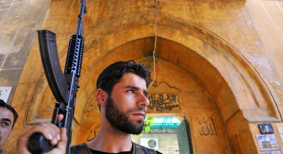 En syrisk oprører i Aleppo.