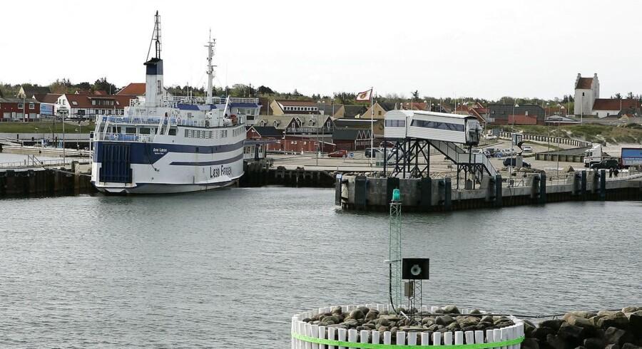 Læsø i Kattegat. Vesterø Havn med den gamle Læsøfærge.