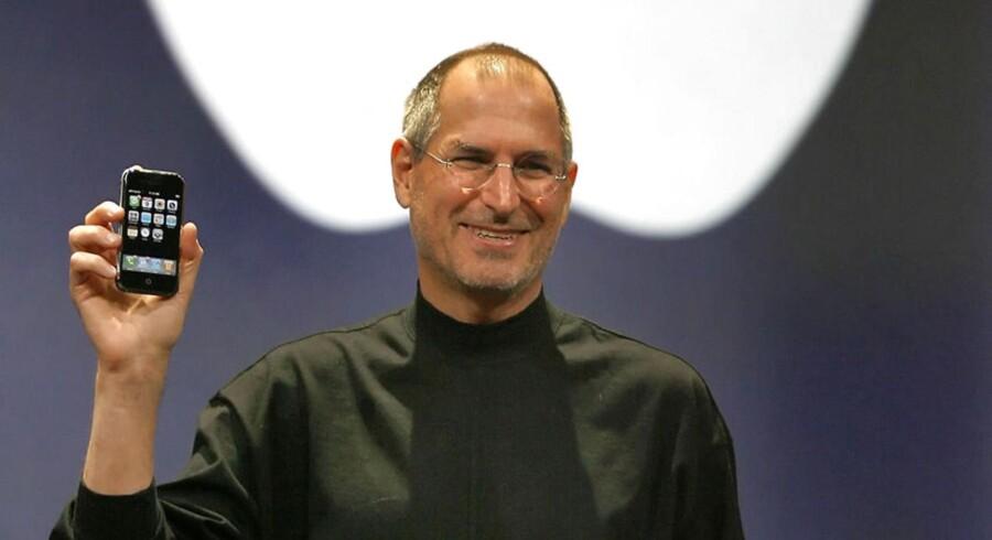 Jobs mener, at den høje introduktionspris vil svække salget og gøre det svært at skubbe hadeobjektet IBM ud af markedet.
