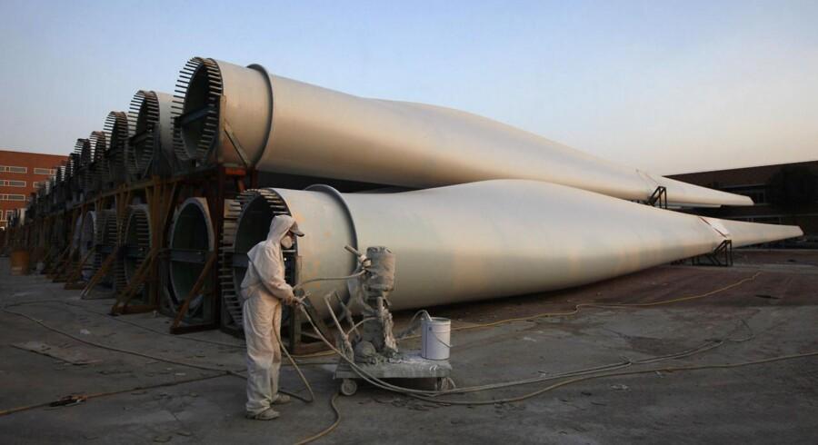 Den kinesiske vindmølleproducent Ming Yang løftede omsætningen i tredje kvartal, men det kunne ikke aflæses på bundlinjen, hvor selskabet måtte notere sig et underskud.