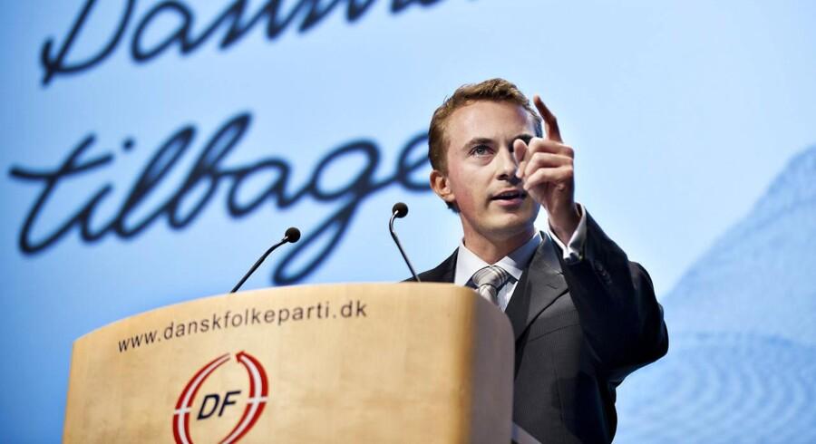 ARKIVFOTO. Dansk Folkeparti ønsker et nyt afsnit indført i medieansvarsloven om brugen af ekspertkilder. Flere af de eksperter, der optræder i danske medier, bruger nemlig deres ekspertkasket til at fremme bestemte politiske holdninger, og ofte udtaler de sig om emner, de slet ikke har forsket i, mener DF.