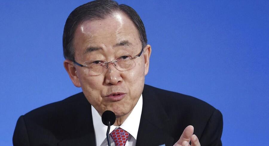 Mindst fire mennesker er blevet dræbt, og ni er såret i to forskellige angreb i Burundi, få timer før FN's generalsekretær, Ban Ki-moon, mandag ankommer til landet.