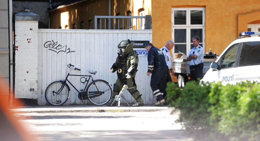 Politiet evakuerede beboere på Frederiksberg efter fundet af en død mand i en lejlighed, der tilsyneladende var mineret med en håndgranat.