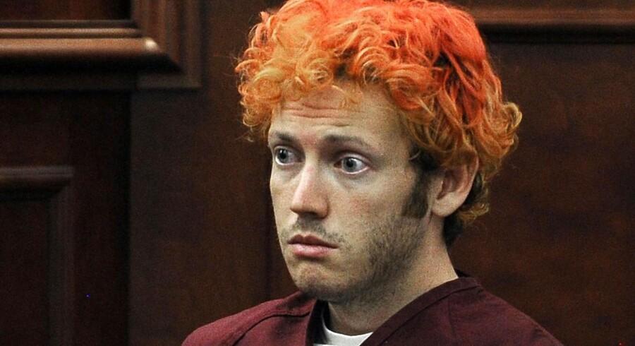 James Holmes, der skød og dræbte 12 i Colorado, risikerer dødsstraf. Han bliver officielt sigtet for de mange drab den 30. juli.