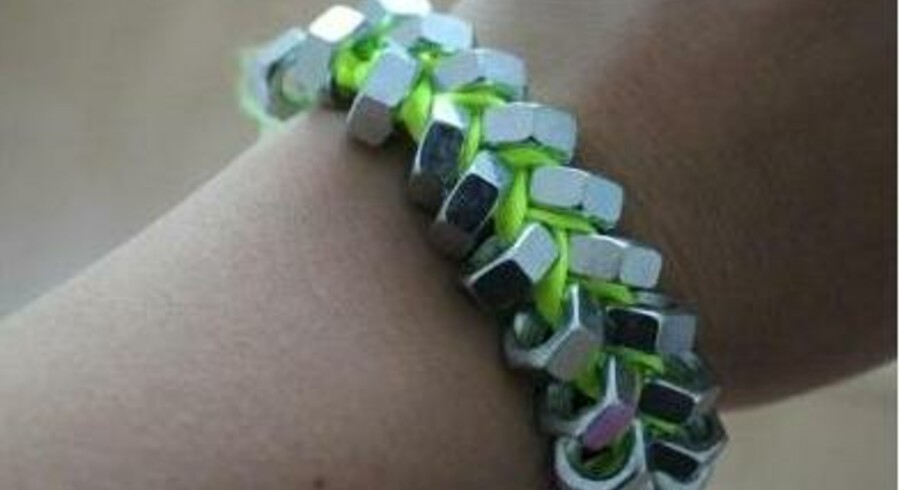 Hjemmelavede armbånd af møtrikker kan give nikkelallergi.